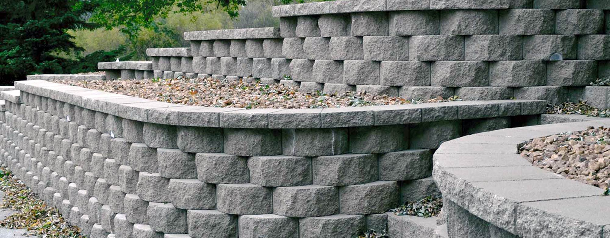 Retaining wall using LondoneStone products